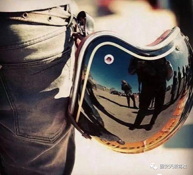 『天顺驾校d本招生中』摩托车可以再等,唯有时光不可负!