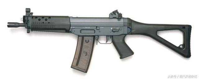 影片《红海行动》中的经典武器装备之瑞士sig sg553突击步枪