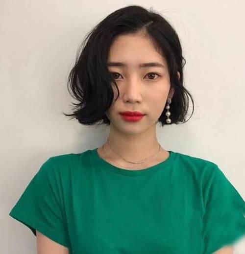 2018流行短发烫发look1图片