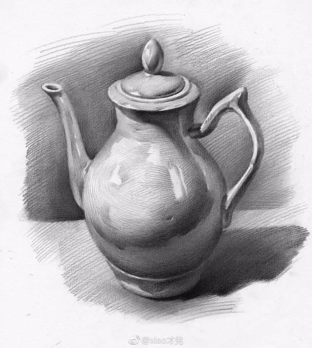静物写生 除了构图要合理之外,画面的黑白灰关系要明确 罐子最重