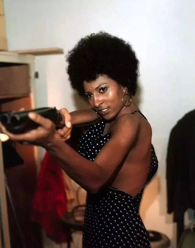 黑人女人黄色电影_黑人电影大热?这已经不是第一次了!