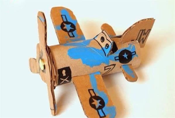 卫生纸卷筒和瓦楞纸 手工制作小飞机模型