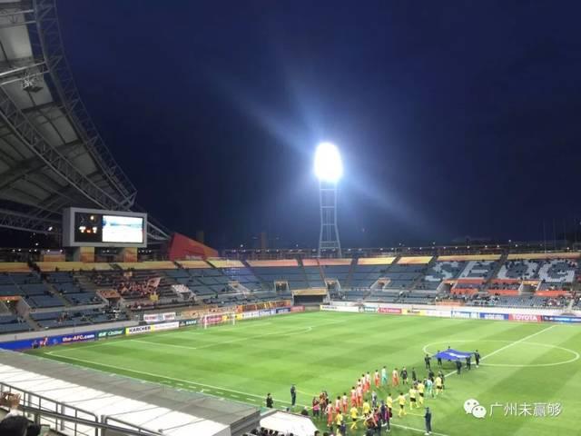 能容納超過三萬名觀眾的西歸浦世界杯體育場,最終的上座率是令人尷尬圖片