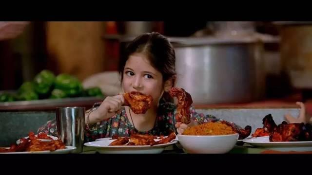 在素食主义者猴神叔叔家里借住的时候,作为巴基斯坦的食肉兽小萝莉