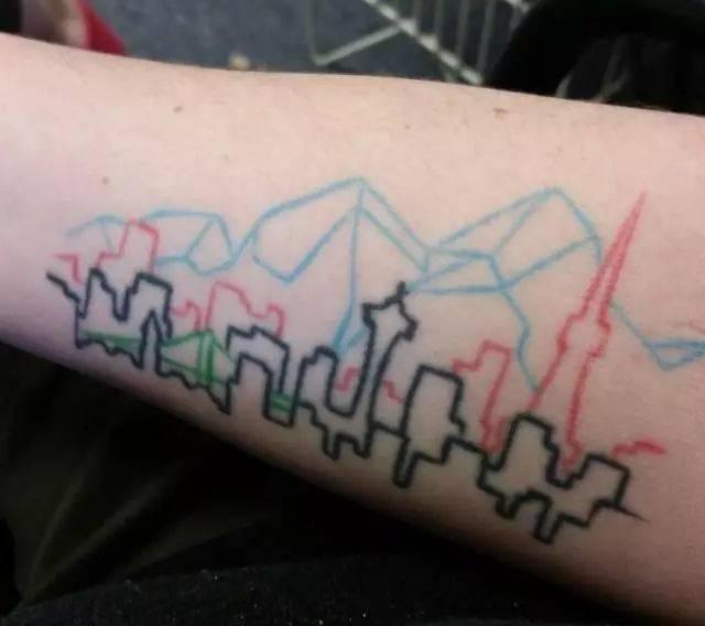 别看一些人的纹身很丑很傻,其实它们都有特殊的意义