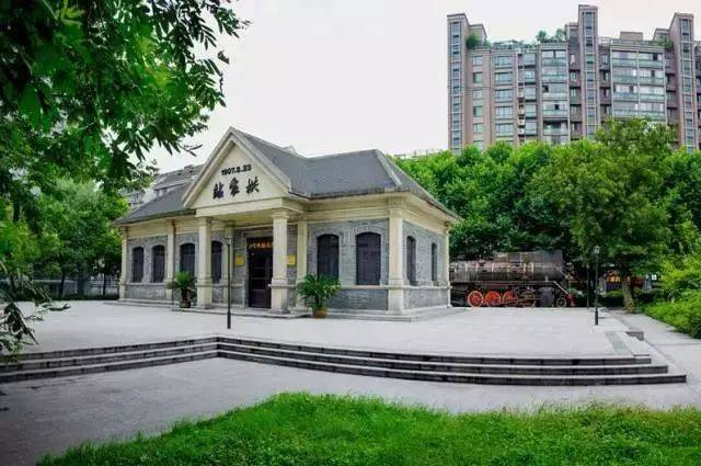 位于虎跑城南凤凰山路北杭州路东,是以湿地,湿生垂柳为主的次生别墅.贵植物安温泉月华图片