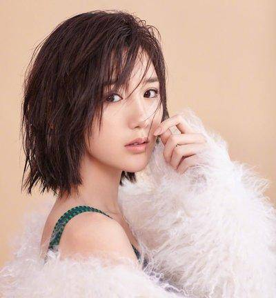 2018超瘦脸的女生刘海发型来袭,大脸妹子福音!图片