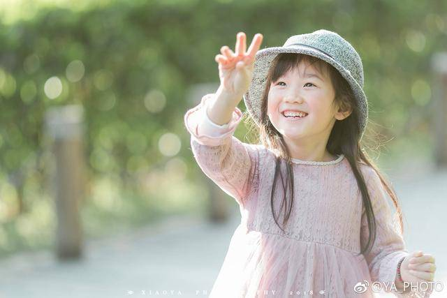 春天来了,上海妈妈自己为女儿拍写真,丸子同学放课后的寻春之旅