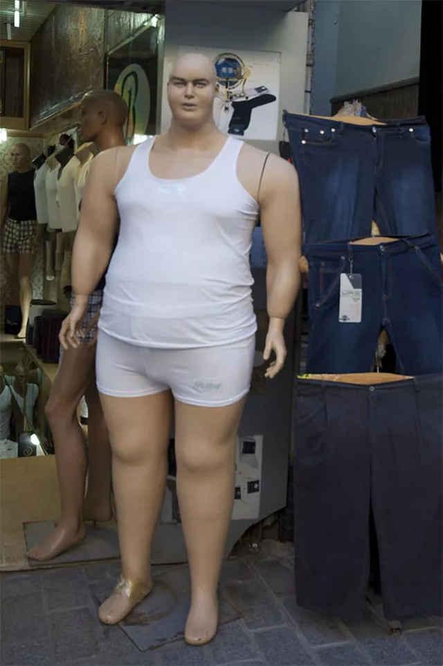 我爱操小嫩逼_这模特一个比一个骚……还让不让人好好买衣服了?