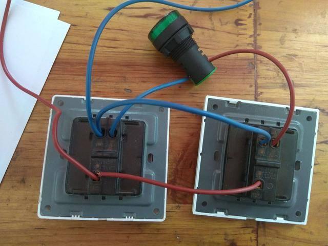 实物图接线综合分析:前两种都是零线接灯火线进开关所以都是安全
