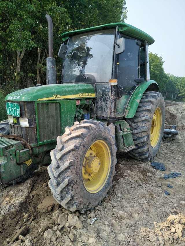 2014年的约翰迪尔904拖拉机,带进口圆盘耙,耕地真不错图片