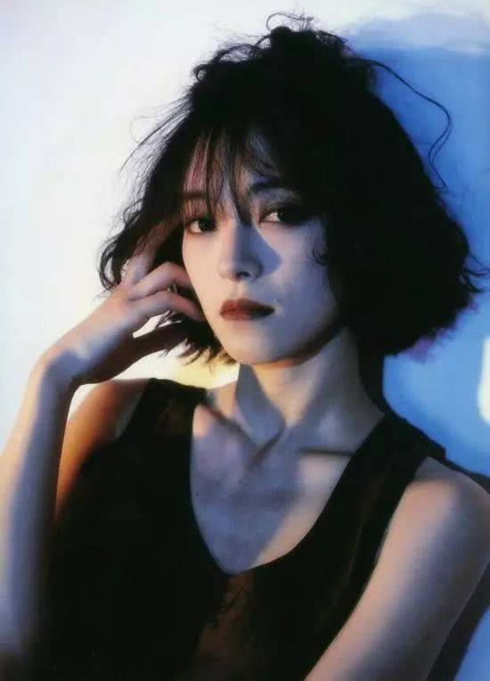 逼逼情色_水原希子控诉著名摄影师性骚扰,并袒露被逼拍裸照经历