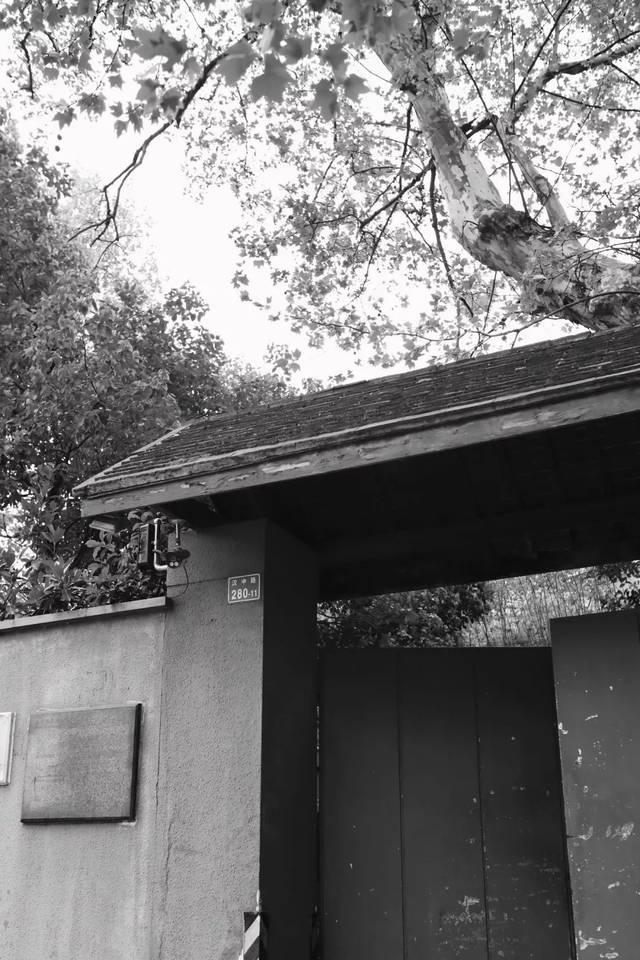这栋大隐于市的民国别墅里,复刻着《随园食单140平方别墅米三层图片