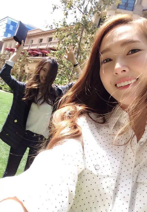 妹妹�9��y�$9.��f�x�_少女时代组合成员郑秀妍 (jessica) 与妹妹f(x)组合成员郑秀晶