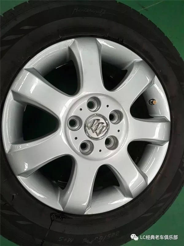 对于经常跑长途的车轮胎气压是非常重要的!图片