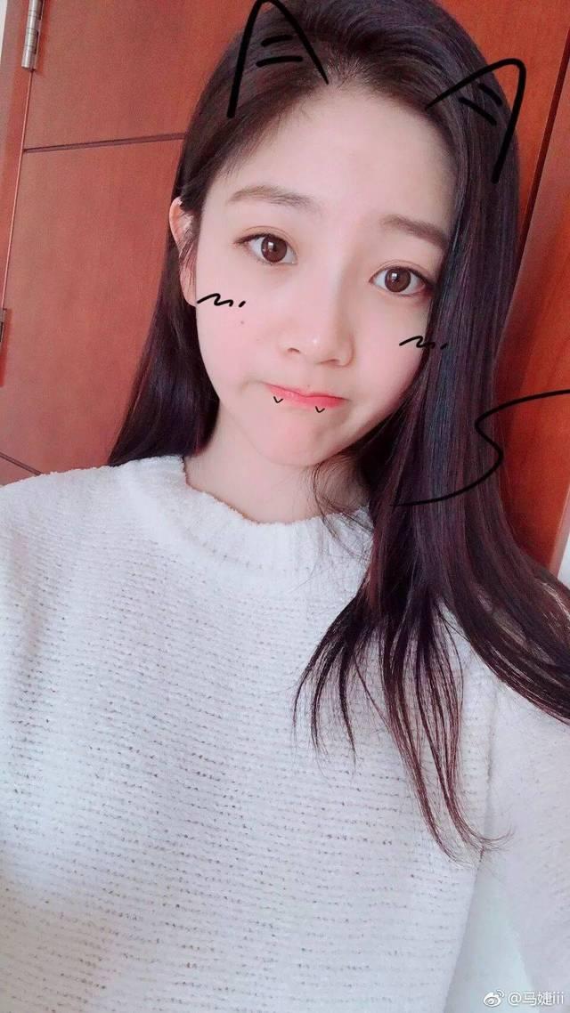 刘欣然,无论是长相还是风格看起来都很有个性的一个女生~长发▼▼ 都