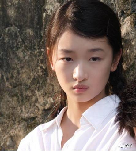 求幼幼的视频_比高级脸接地气,比幼幼脸智商高,女星里只有她配得上精灵脸?