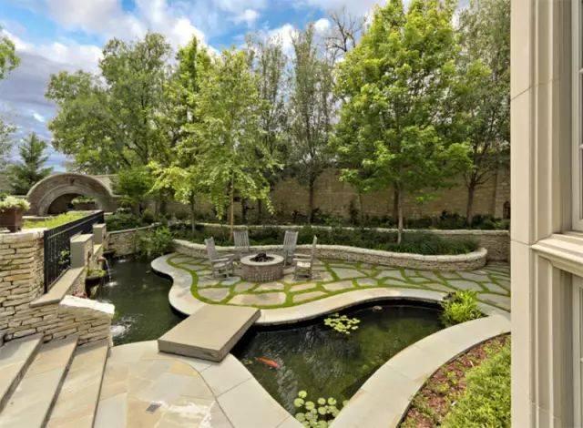 20个别墅庭院户外鱼池,个个美轮美奂图片