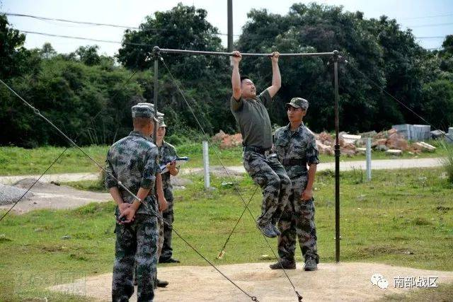 近日,第74集团军某防空营在野外驻训时,该营发现了很多平时存在的问题