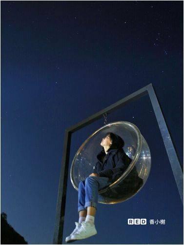 玻璃球浑浊能治愈_到了夜晚,网红照相玻璃球才是打开的正确方式,这里有城市里没有的