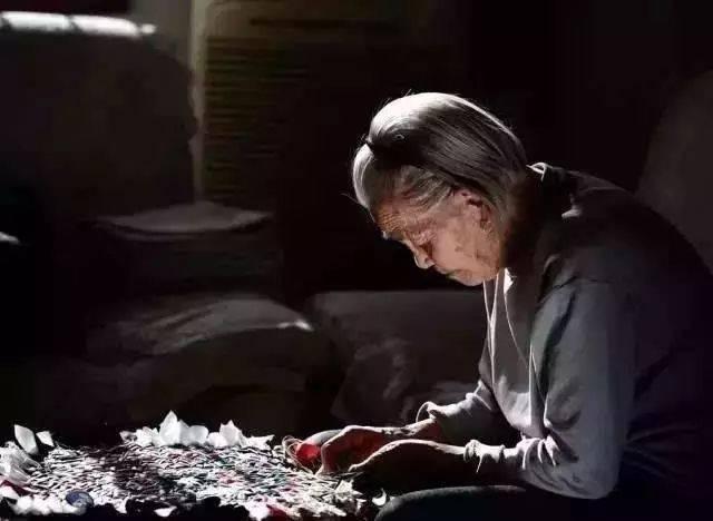 母亲节,一曲萨克斯《烛光里的妈妈》,送给天下母亲!