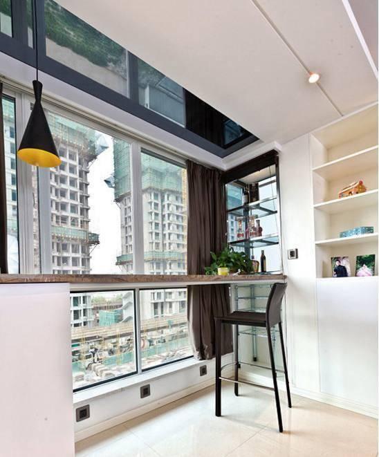 下面是我家新房阳台吧台装修效果图: 阳台可以洗洗晒晒,喝茶聊天