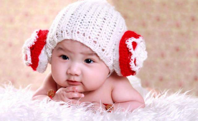 何姓女宝宝取名字古诗中提取的女孩名字女宝宝诗词歌赋起名