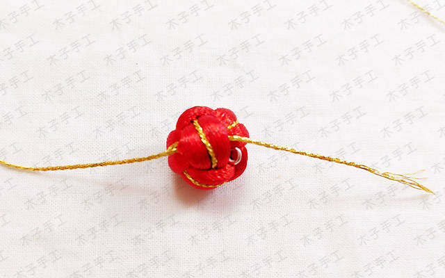 手工制作之红绳编织菠萝结耳环教程