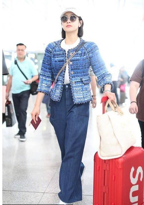 戚薇机场照把脚P成45码,但企业家宋茜和大粗腿马思纯更抢镜