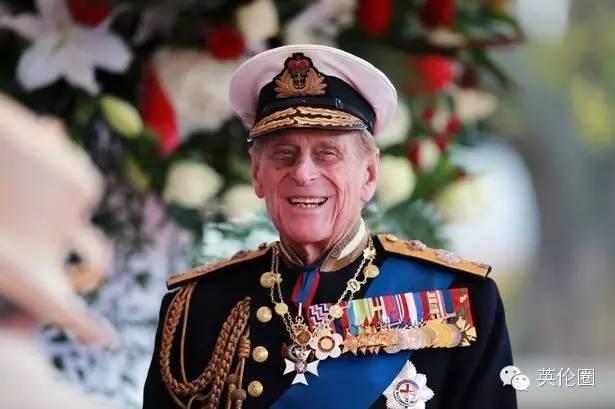 哈里王子得了个被诅咒的头衔?以后见女王一家可不敢乱打招呼