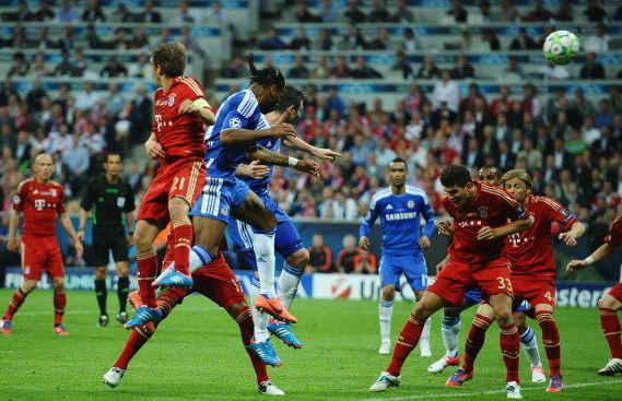 盘点欧冠决赛十大进球[上]:曼联3分钟2球逆冠 齐祖天外飞仙无敌图片