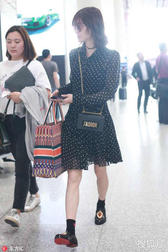 王丽坤新发型俏皮可爱 简直就是仙女本仙了!
