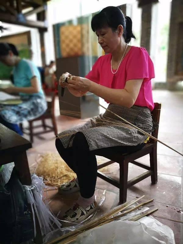 制作葵扇,学用葵笔,做葵艺手工,感受传统文化魅力