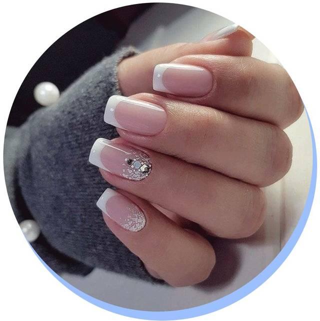 方形纯色指甲_方形指甲是非常经典的法式美甲的标配甲型.