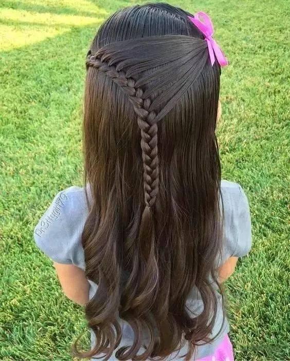 低难度高颜值的儿童编发,小公举参加演出必选发型!图片