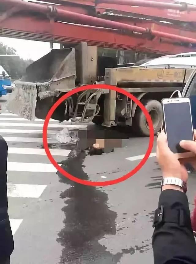 金坛东村一场车祸吓坏了在场所有人!