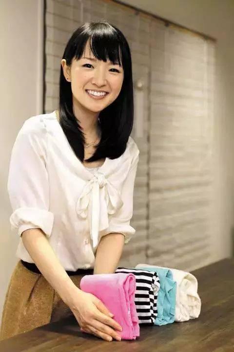 近藤在日本已经红到跟碧昂丝一样 没法在东京搭地铁了 她的书进入美