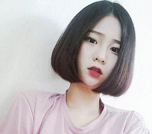 2018圆脸女生流行发型 修颜瘦脸更显萌美气质图片