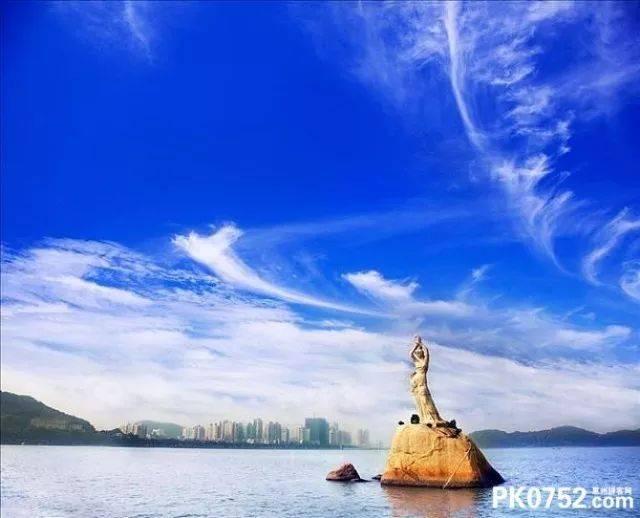 渔女像 珠海渔女是珠海市的象征,位于珠海风景秀丽的香炉湾畔 矗立着