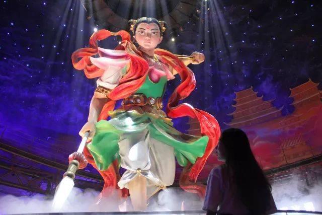 青岛万达茂室内电影乐园的哪吒雕像图片
