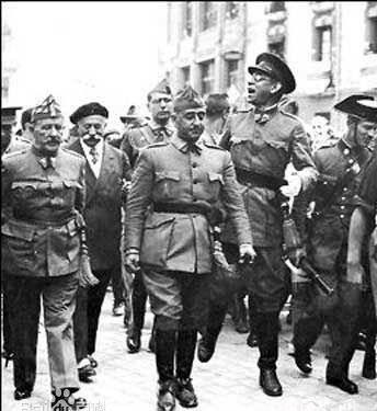 出身军人世家,性格沉稳,沉默寡言,年轻时入西班牙陆军学校学习,毕业后