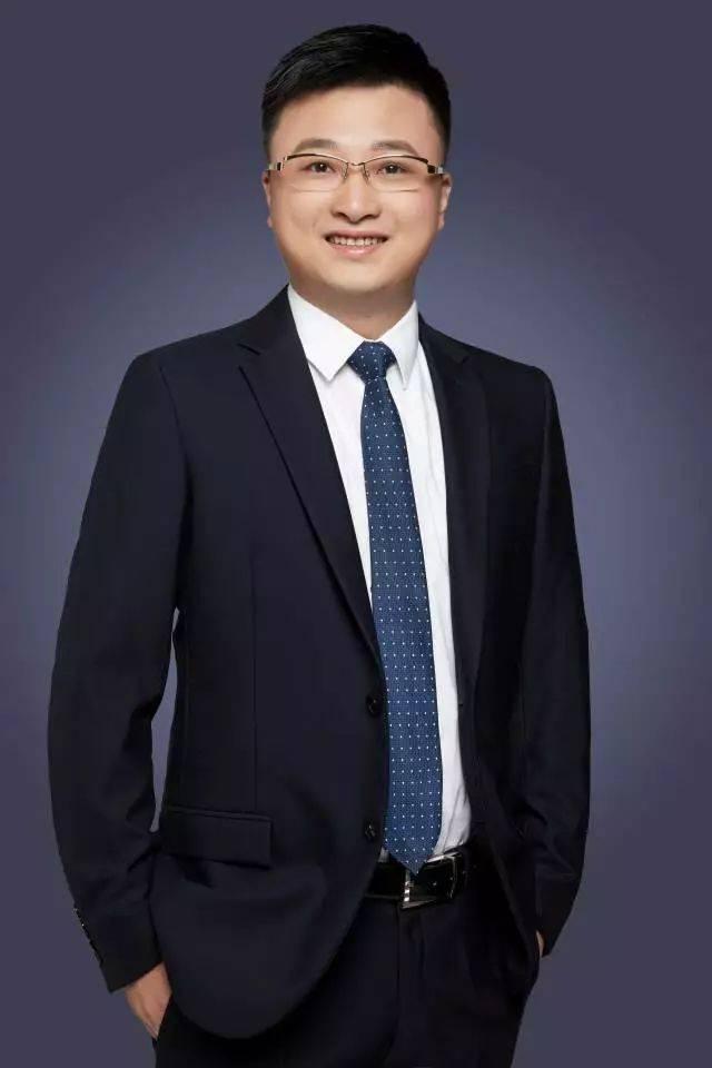 首席球_郑震湘·电子行业首席