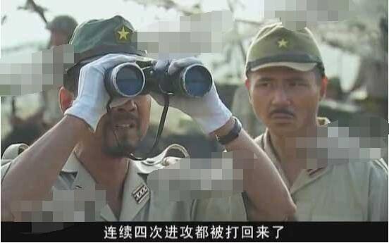 王宝强早期出演的抗战剧《我的兄弟叫顺溜》,穿帮镜头
