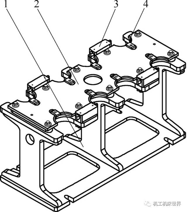 刀架体通过紧固件固定在设备工作台t型槽内,刀架体两侧圆孔为吊装孔.图片