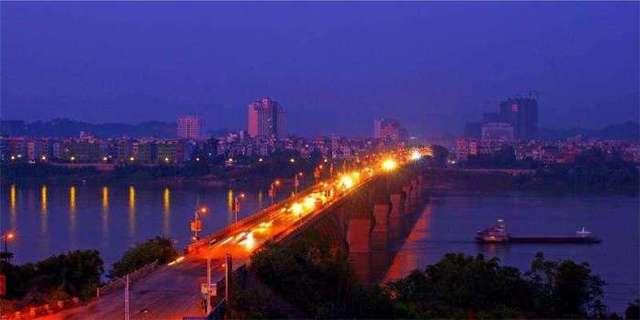 贵港平南地�_2,平南县:平南县是贵港市下面的一个县城,平南也是全国人口最多的