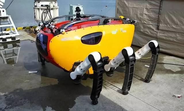 crabster 上图就是一款由韩国科学家发明的 巨型六足机器人 和很多以
