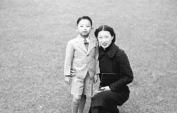 张闾琳,东北军将领张学良将军的第四个儿子,母亲是人称