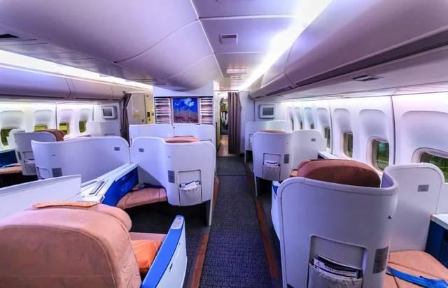 在国航机队甚至整个中国民航当中,这款头等舱只能在波音747-400飞机上