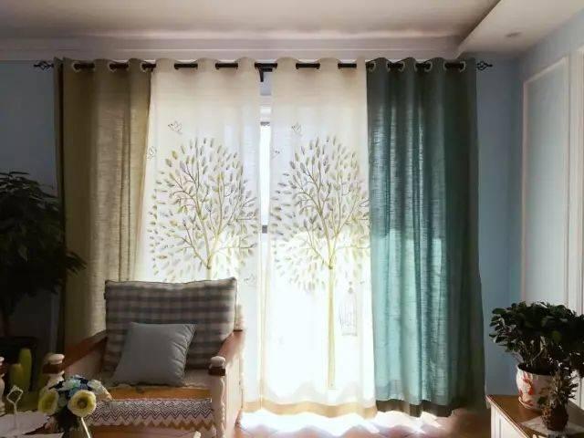 7,创意的树枝背景的半透窗帘,效果也相当不错