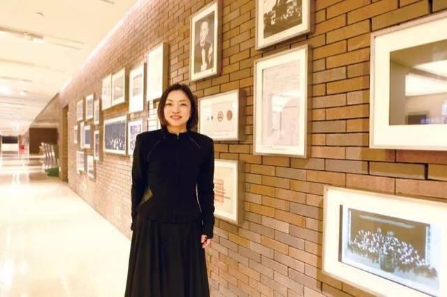 """周平,约在复兴中路1380号,那是上海交响乐团( 下文简称"""" 上交"""")著名的图片"""